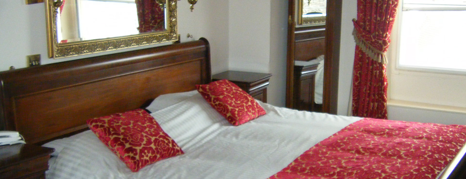 Accommodation with Sunday Lunch Offer | Greyhound Hotel